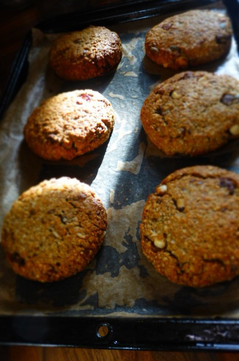 Brazil Nut and Banana Breakfast Cookies - Fresh from the oven