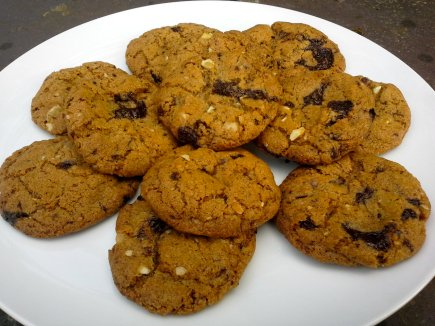 Spelt chocolate chip cookies from 'Peace and Parsnips'