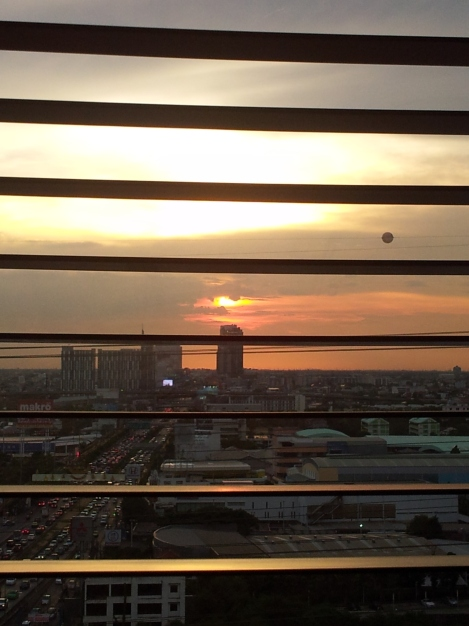 Peaceful sunset from out 18th floor nest above the buzz of Bangkok