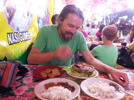 Fried tempeh, jack fruit stews and piles of moring glory, plus the most digusting sulphurous bean I've ever encountered. Rank! You even get serenaded here by local guitarists singing Indonesian folk or The Beatles. Street eats in Yogyakarta, Java